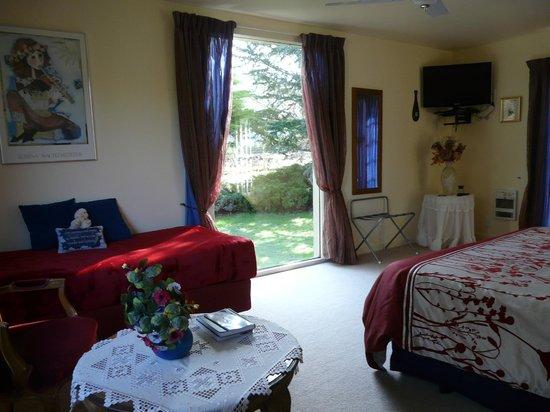 Mira Monte Bed and Breakfast: Garden suite