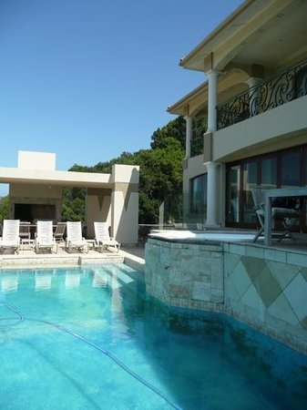 Villa Paradisa Guest House: het zwembad