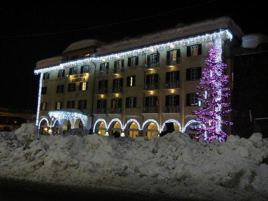 Grand Hotel Savoia: Вечерняя подсветка