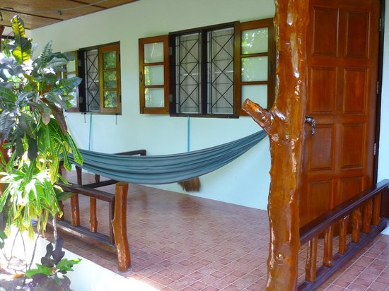 Ananda Yoga & Detox Center: room