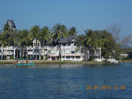 Dusit Thani Laguna Phuket: Поездка по Лагуне на территории отеля
