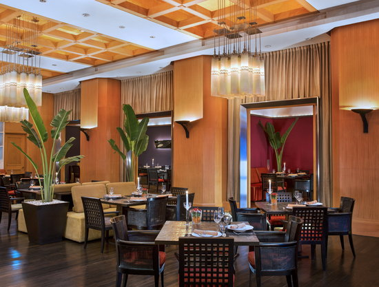 Sheraton Grande Sukhumvit, A Luxury Collection Hotel: basil Thai restaurant
