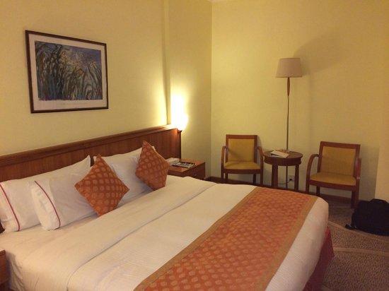 Ramada Continental Jeddah: Bedding is comfortable