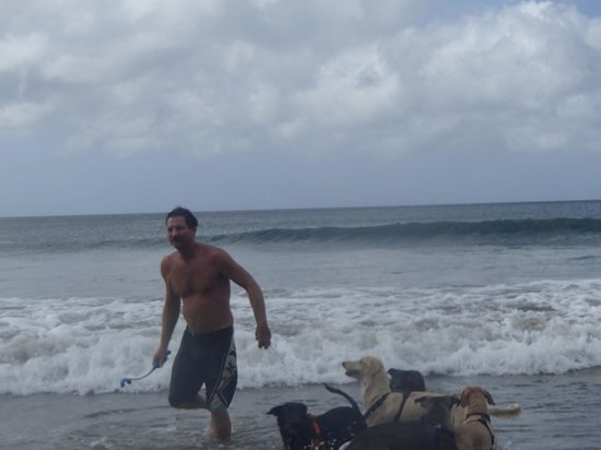 Rancho Cecilia Nicaragua: Your host Scott running with the pack at the beach