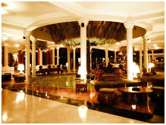 Iberostar Costa Dorada : The Front Lobby and Bar Area