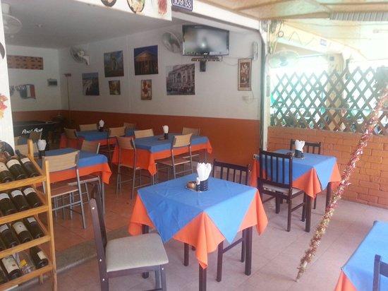 Da Gio' Lamai Beach Restaurant : Tavoli