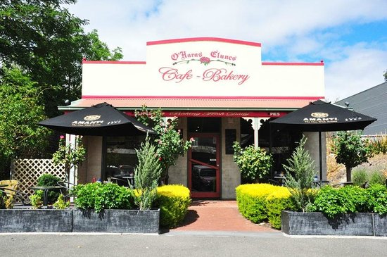 O'Hara's @ Clunes Cafe Bakery: The front entrance looks very welcoming.
