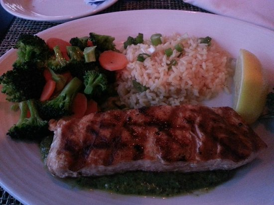 Harbor Grill Restaurant: Salmon with a light pesto.