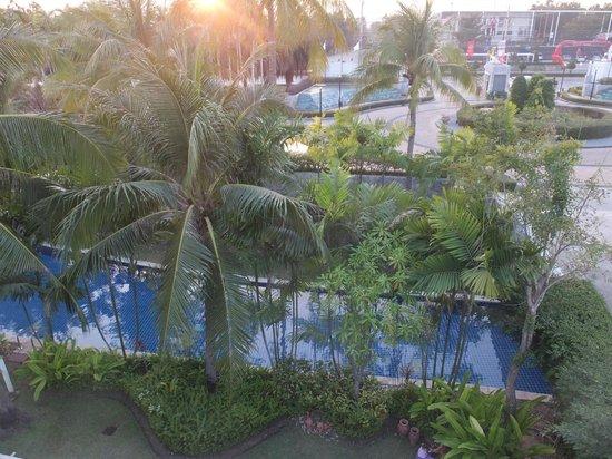 Blue Lagoon Resort Hua Hin: our pool