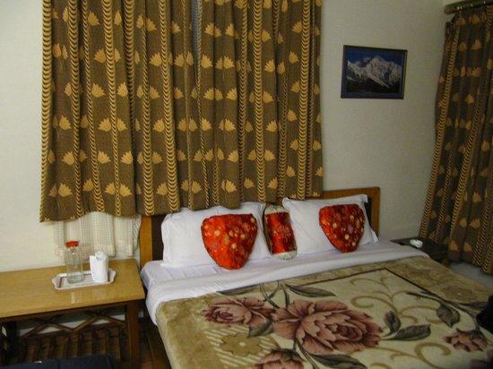 Golden Heights Enclave: Bed room