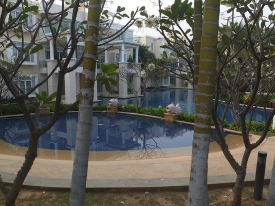 Blue Lagoon Resort Hua Hin: the beautiful pool