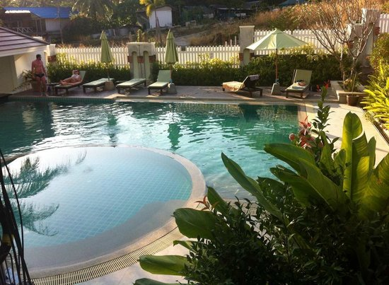 Kalim Place : Hotel pool area