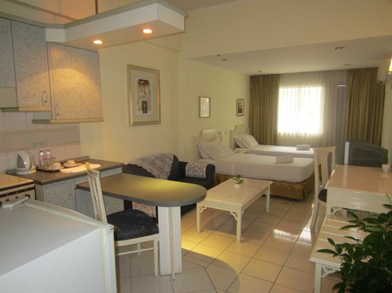 Promenade Hotel Apartments: Studio Room we stay