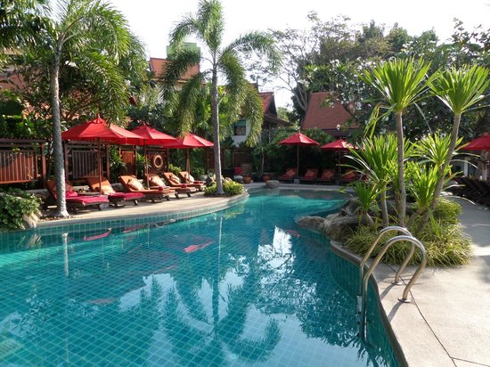 Rocky's Boutique Resort: pool by our room