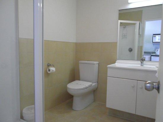 Great Lake Motel: Bathroom