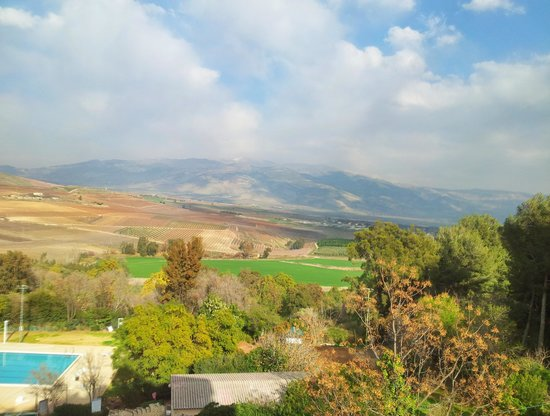 Kfar Giladi Hotel : View from the room of Hula valley and Mount Hermon - Feb 2014 taken with ProHDR