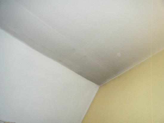 Apartaments Turistics K-2 : plafond noir