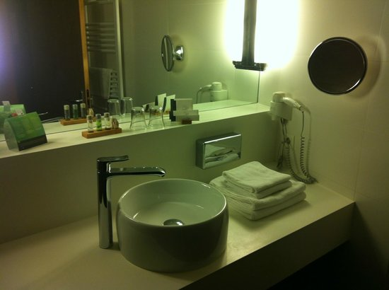 Diana Hotel Restaurant & Spa: Salle de bain design