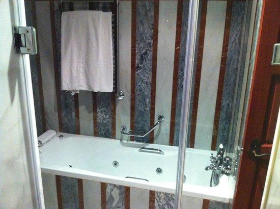Las Casas de La Juderia : bathtube room12