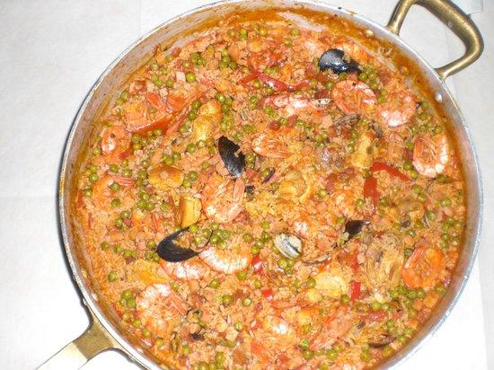 Il Tortellaccio: Ecco uno dei piatti più famosi, la famosa Paella!!