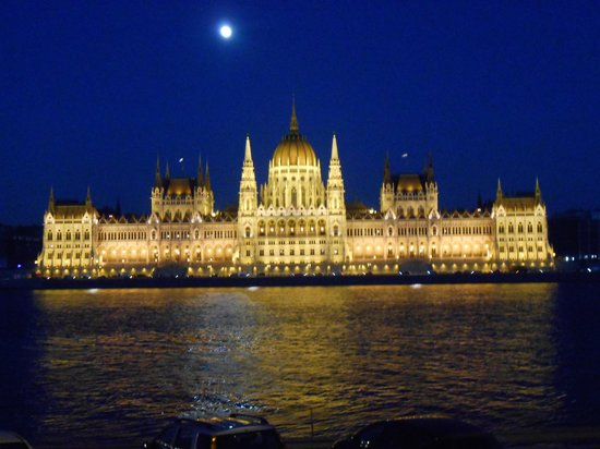 Novotel Budapest Danube: View from our room, Hungarian Parliment