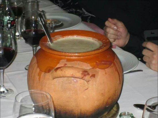 Lozoya, Spanje: Puchero de sopa de cocido