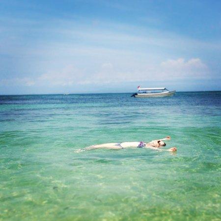 Nusa Dua Beach Hotel & Spa: Clean beach to laze around on