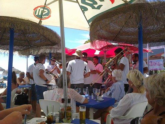 Chiringuito Arroyo : July 2013 - local band at the Chiringuito on the beach