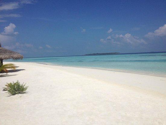 KIHAAD Maldives: Beautiful Beach.