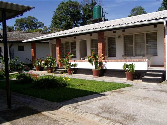 Katuba Guest House : Front of executive rooms