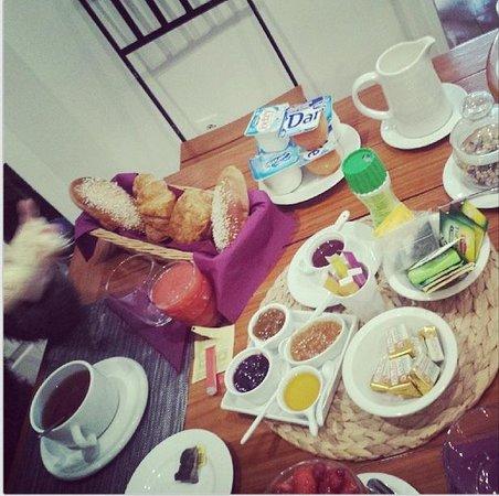 Les Chambres d'Hôtes du Grand Mornas : petit déjeuné