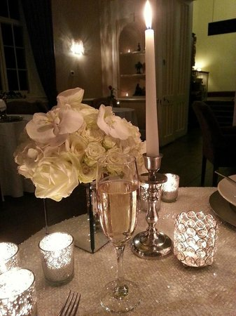 Offley Place Country House: Table Decorations, Anniversary Dinner