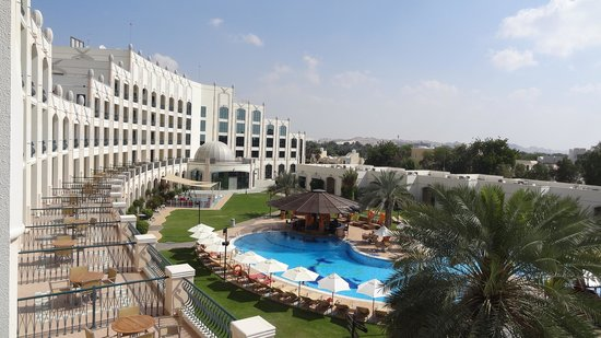 Al Ain Rotana Hotel: Al Ain Rotana Pool Side
