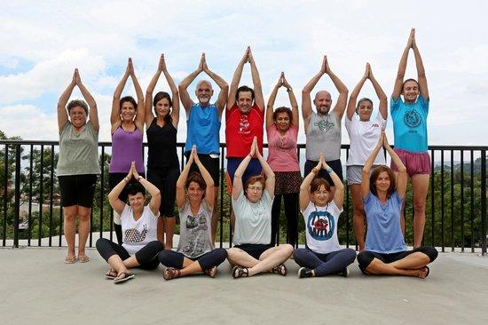 Park Village Hotel & Resort: Yoga Group at Park Village Resort     Photo: Anjil Maskey