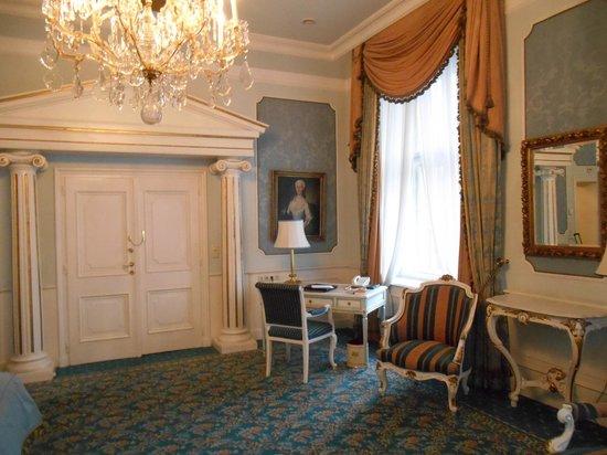 Hotel Imperial Vienna: Suite Junior Impériale 203