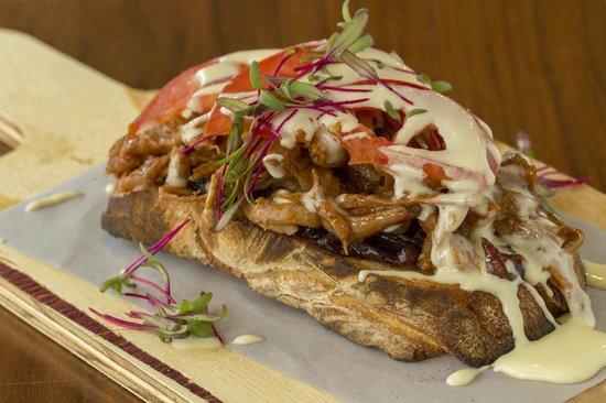 Craft Restaurant Pulled Pork Sandwich