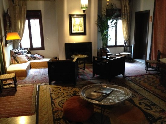 Novecento Boutique Hotel : 2nd floor lounge