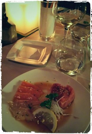 Finger's : Tartare di tonno con carpaccio di salmone e branzino