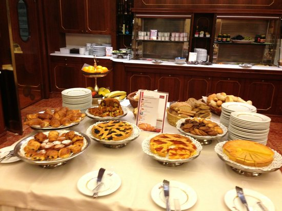 Mercure Parma Stendhal: Breakfast