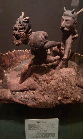 Devil's Museum : Figure