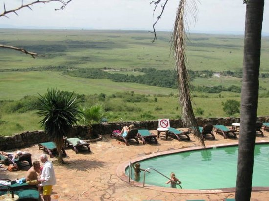 Mara Serena Safari Lodge: Amazing views from the pool