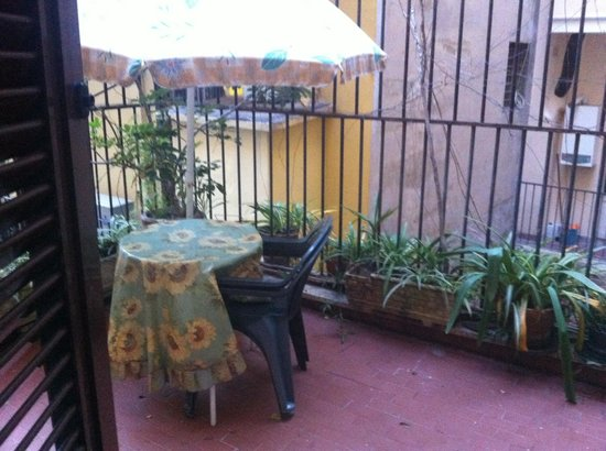 Hotel Grifo: Balcone camera