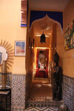 Riad Numero 10: corridor