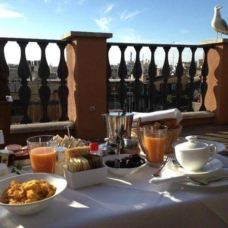 Portrait Roma: Desayuno en la azotea