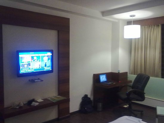 Hotel Sandy's Tower : LCD TV !