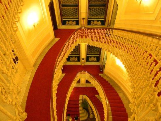 Hotel Bristol Palace : лестница