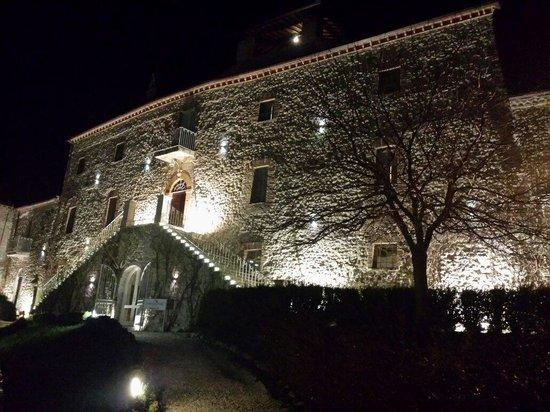 Castello di Montignano Relais & Spa: La facciata principale del Castello