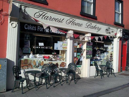 Harvest Home Bakery: Shop front