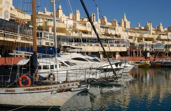 Benalmadena Puerto Marina : Moderner Hafen