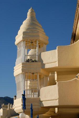 Benalmadena Puerto Marina : Architektur mit arabischem Einfluss